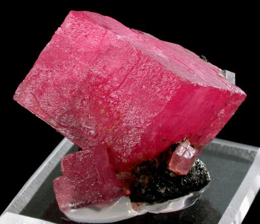 Rhodochrosite With Fluorite From Sweet Home Mine Buckskin Gulch Alma District Park County Colorado