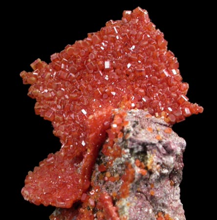 Photographs of mineral No  60309: Vanadinite pseudomorphs